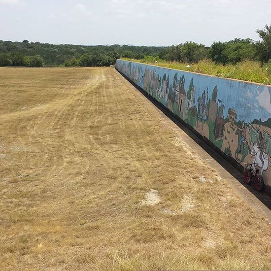 Lake Belton Mural Wall...it depicts all things TX. From cowboys and Indians to armadillos and Army. I SPY A FATBIKE! Fatbike Fattirebike Murals Lakebelton Bigfootbike Fattire Depictions Art Artist ArtWork Painting TX