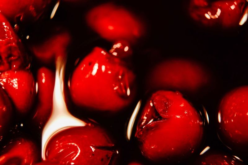Cherries Red Color Red Cereja Cherries🍒 Cherries Cherry Red Close-up Food And Drink Indoors  Food No People Full Frame Healthy Eating Still Life Fruit Freshness Backgrounds Illuminated Focus On Foreground Shiny Decoration