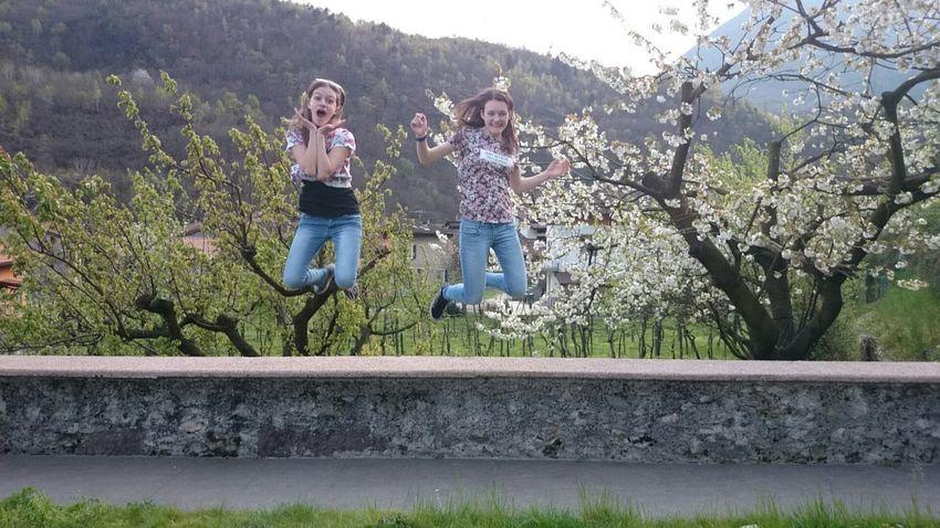 Girls Beauty Beautiful Nature Sunny Day Jump! Funny Friends