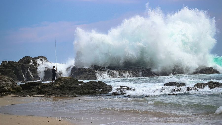 Air kan menerima semua yang ada Splashing Motion Water Power In Nature Sea Beach Hitting Beauty In Nature Hot Spring Wave