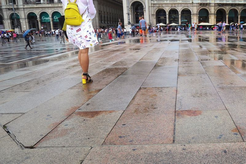 Yellow shoes and bag. A bright light on a rainy day in Milano. Low Angle Milano Italian Lifestyle Structure Palazzo Reale Duomo Di Milano Traveling People Watching Fashion Rainy Days Streetphotography Showcase July