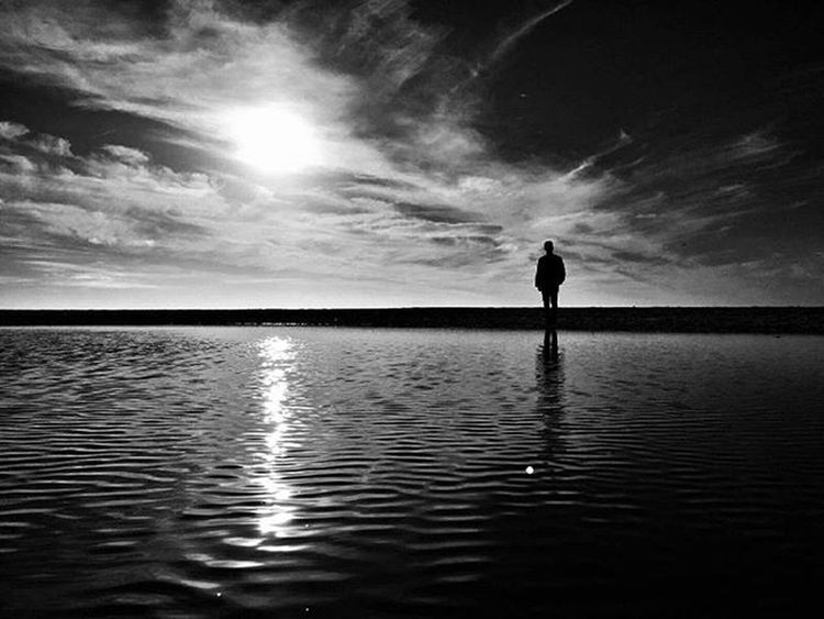 A curtir a drena 👽 Blackandwhite Tchill  Nature Naturelovers Peaceful Pensapositivo Snapseed Snapseeddaily Vscocam Vscophoto Picoftheday Inspire Instadaily Feelings Goodvibes Pointofview Portugaldenorteasul Portugalcomefeitos Portugal
