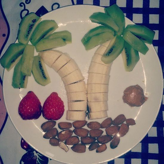 Breakfast Bananas Kiwi Strawberries Almonds Peanutbutter Fragole Mandorle Burrodarachidi Food Like Love Nutrition Morning Colazione