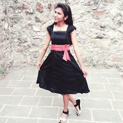 Day43: Little Black Dress...Formals day....♥♥♥ 100happydays Formalsday BlackDress Redbow Babeandme Photoshoot Fort Lovethispic Instamemory Instagood Instapic Instadaily Doubletap ♡ ♥ Pic credits: @clive_fab7 ♥