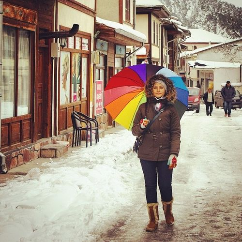Taraklı! Sakarya Taraklı Kış Kar snow şemsiye umbrella winter girl photos picture picoftheday pic photooftheday photo beyaz white