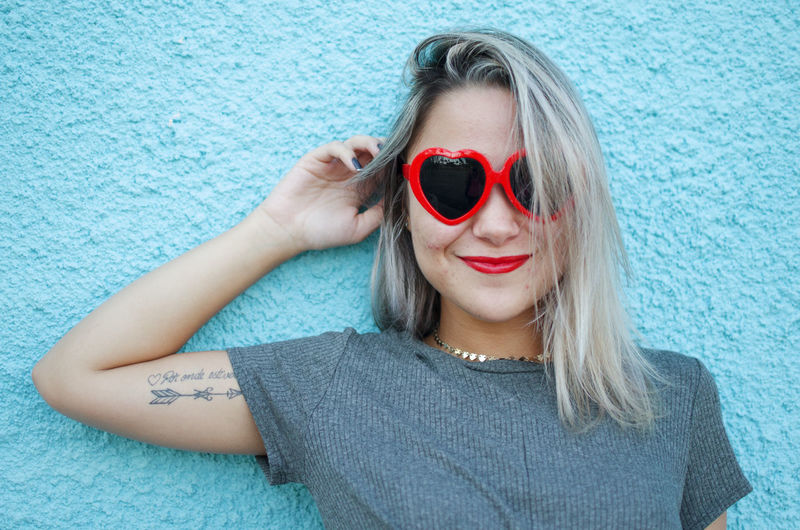 One Person Fashion Portrait Front View Women Glasses Sunglasses Hair Looking At Camera Real People Headshot Beautiful Woman Adult Young Adult Young Women Beauty Casual Clothing Leisure Activity Hairstyle Blue Red Heart International Women's Day 2019