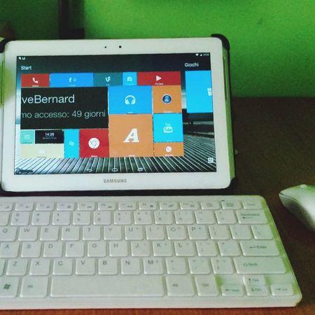Samsung Galaxy Tab 2 trasformato in simil-pc con tastiera e mouse wireless insieme ad un Launcher simile a Windows 8 :)