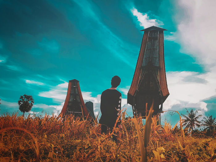 Sky Architecture Built Structure Nature Cloud - Sky Plant Real People Field Land Low Angle View Rear View Day Lifestyles Wallpaper