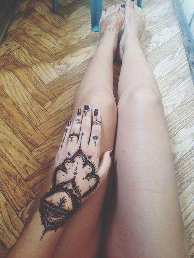 Tattoo Mehendi Taking Photos Legs