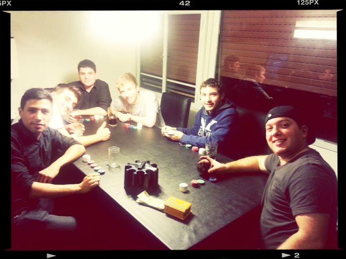 Noche de poker con los pibes.
