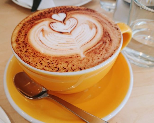 Yellow Froth Art Mocha Thick Cappuccino Frothy Drink Latte Drink Cafe Saucer Coffee - Drink Foam Caffeine Hot Drink Coffee Beverage