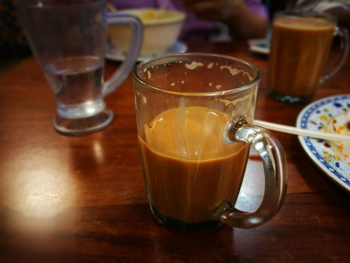 Dimmedlight Breakfast Milked Tea Bubbly Break Lunch Teh Tarik (Malaysian Pull Tea) Cafe Restaurants Drink Food And Drink Drinking Glass Refreshment Table Indoors  No People Close-up Tea - Hot Drink Indoors