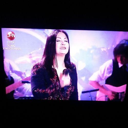Reviviendo El Concierto de @anagabrieloficial en @vinadelmarchile ElFestival En mi TV HD