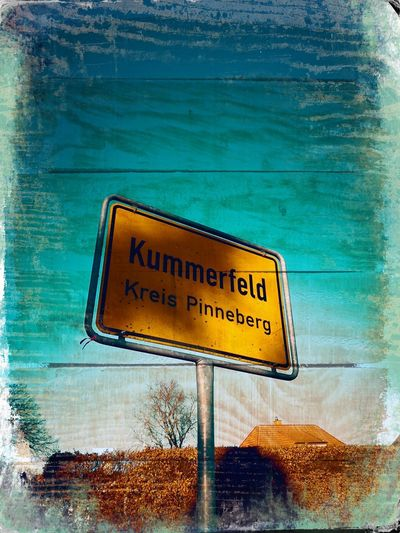 012/365 Willkommen Photo365 Bilsbekblog Huaweiography Huaweimate10pro Smartphoneography Hipstamatic Hipstamatic340 Photooftheday Sorcerer86 Eyeemgermany Eyeemkummerfeld Text Western Script Information Sign Capital Letter Communication Guidance Road Sign Outdoors Day
