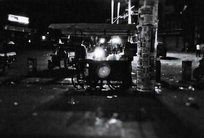 Took on my Nokia n73, didn't expect to get such a great picture. N73 Blackandwhite Illuminated Kerala EyeEm Best Shots - Black + White Colour Your Horizn
