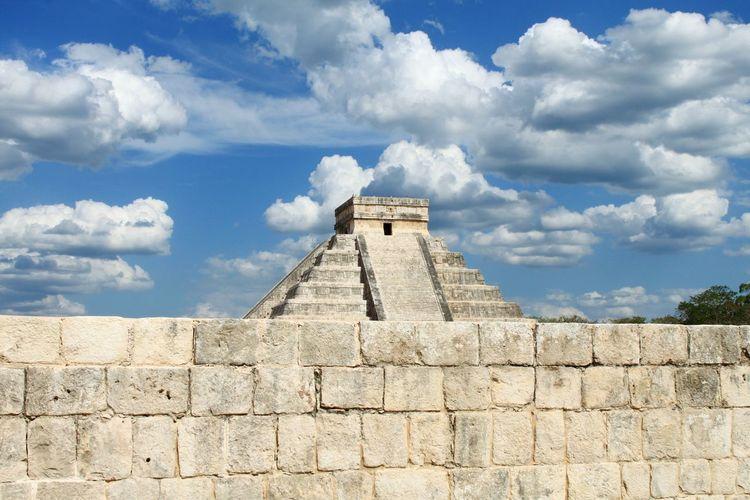 Kukulkan Pyramid At Chichen Itza Against Sky