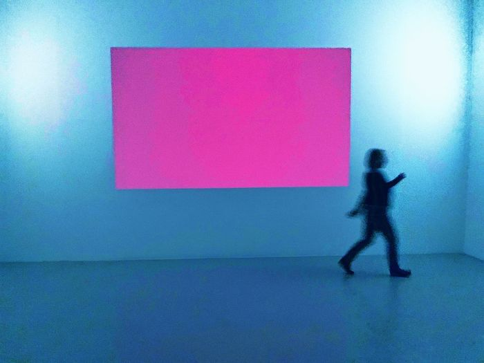 Red Color Rot Art Kunst Sprengel Museum Hannover One Person Full Length Wall - Building Feature Silhouette Built Structure Shadow Architecture Blue Real People Adult The Mobile Photographer - 2019 EyeEm Awards