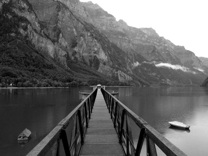 Lake Schweiz Glarnerland Switzerland Zigerschlitz Chlüntel Klöntal Klöntal Schweiz Glarus Klöntalersee