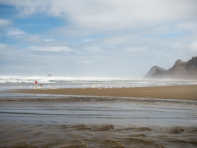Lincoln City Beach Lincoln City, Oregon Oregon Beach Dog Fog Lincoln City Mountain Walking Walking The Dog