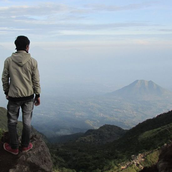Mountain my adventure ! . . . . @agung.ramdani @life_of_adventure @vsco @passionpassport @onebigphoto @instagood @instasunda @9finds @planetfolk @livefolk @vsa_photography MyTripMyAdventure Merbabu Mountain Merbabumountain Gunungmerbabu Muncak Puncak  Puncakgunung Dãki Mendaki Memdakigunung Merapi Mdpl Mountainadventure Adventure Selo Klaten Yogyakarta Jogja