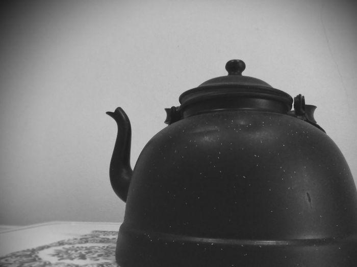 Vai um chá? Toolwizphotos Blackandwhite Photography Tea Bowl Hold Water Booling