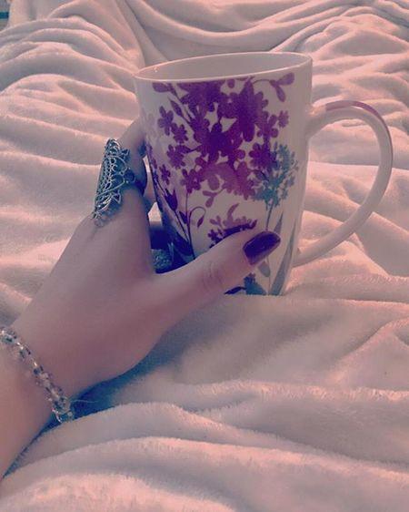 Movie✔ Hotchocolate ✔ Warmcomfyblanket✔ PrinceCharming ❌ 😬😐 👀 Coldweather InBed Movietime  Hotchoco Abudhabi Unitedarabemirates Winter Fleece