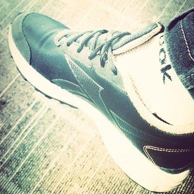 Photoproject365 June2015 Clovewebstudio Shoes Sneakers Day 15 of 365 - A friend's sneaker