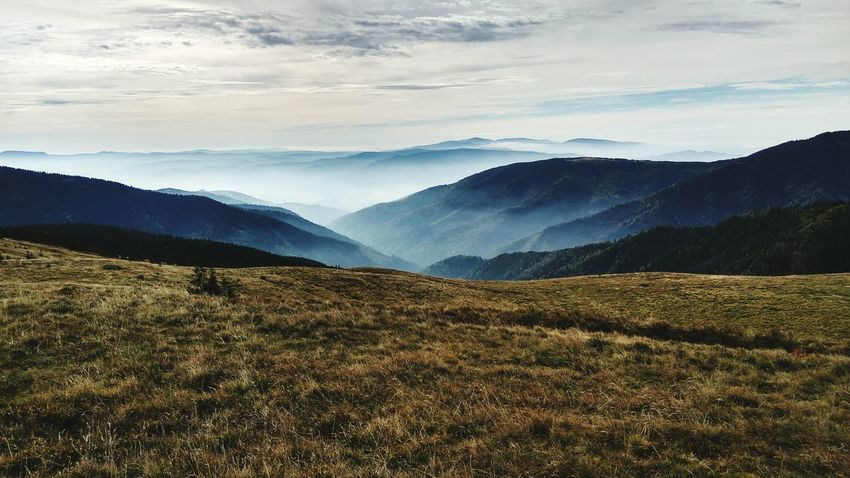 Tripwithfriends Mountain Remote Sky Cloud - Sky Tourism HDR Beauty In Nature Mountains And Sky Beautifulview Tripwithfamily Xiaomiphotography NizkeTatry Slovakia🇸🇰