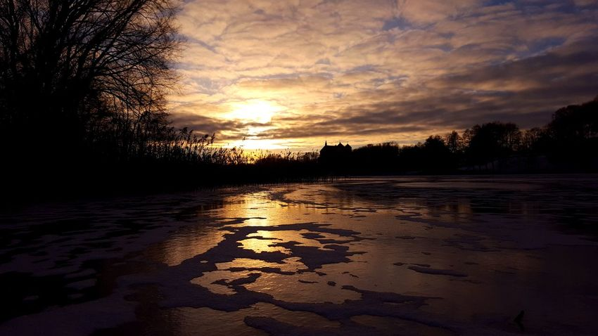 First Frozen On The Lake Nature Reflection Beauty In Nature Sky Sunlight Evening Sky Evening Color Cold Winter ❄⛄