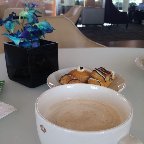 On My Way Home Cappucino Cookies Business Lounge