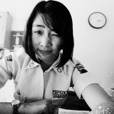 Tetep cemunguuut 😉 Senyumindonesia Selfies Instagrammers Wanitatangguh Security Satpampejuangcinta Satpamcantik