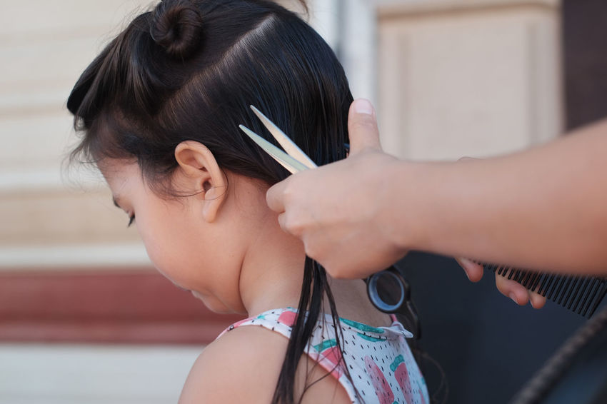 3 years old girl getting her first hair cut Two People Child Human Hair Togetherness Adult Girls People Headshot Hairstyle Day Lifestyles Childhood Combing Human Body Part Young Adult Young Women Children Only Cutting Hair Haircut Hair Summer Care Asian Girl Cute Check This Out