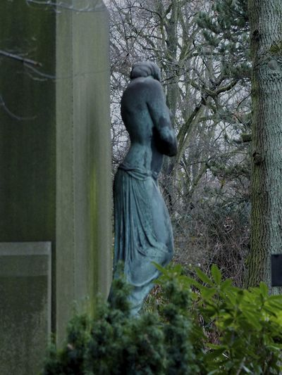 Art And Craft Cemetery Friedhof Graves Gräber Sculpture Statue