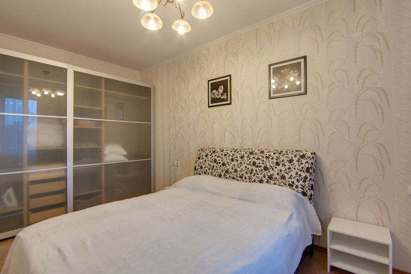 Furniture Bed Indoors  Lighting Equipment Illuminated Bedroom Domestic Room Home Interior Absence Window Empty No People Architecture Luxury Home Showcase Interior Home Wealth Pillow Wall - Building Feature Seat Electric Lamp Ceiling