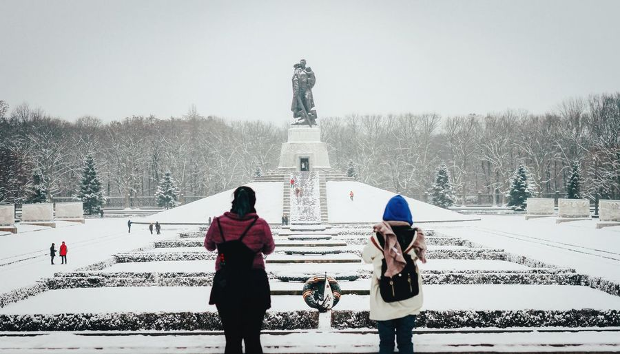 A snowy day at Treptower Park for Fotostrasse