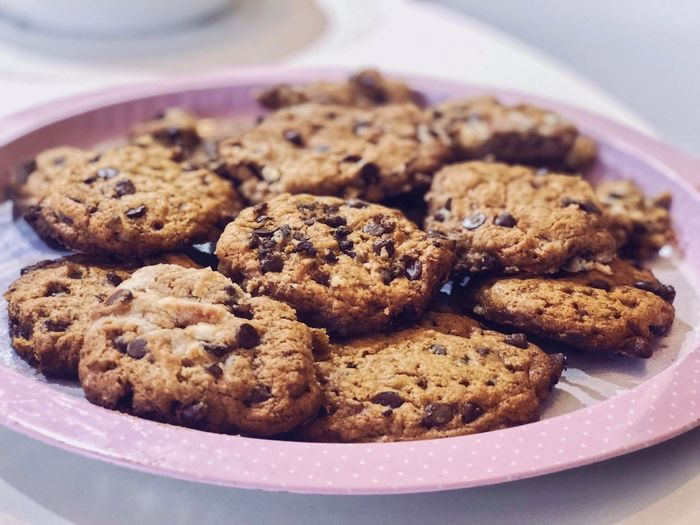 Food And Drink Food Sweet Food Cookie Freshness Ready-to-eat Baked Indoors  Temptation No People Indulgence Dessert Unhealthy Eating Close-up Still Life High Angle View Sweet Plate Serving Size Chocolate Chip