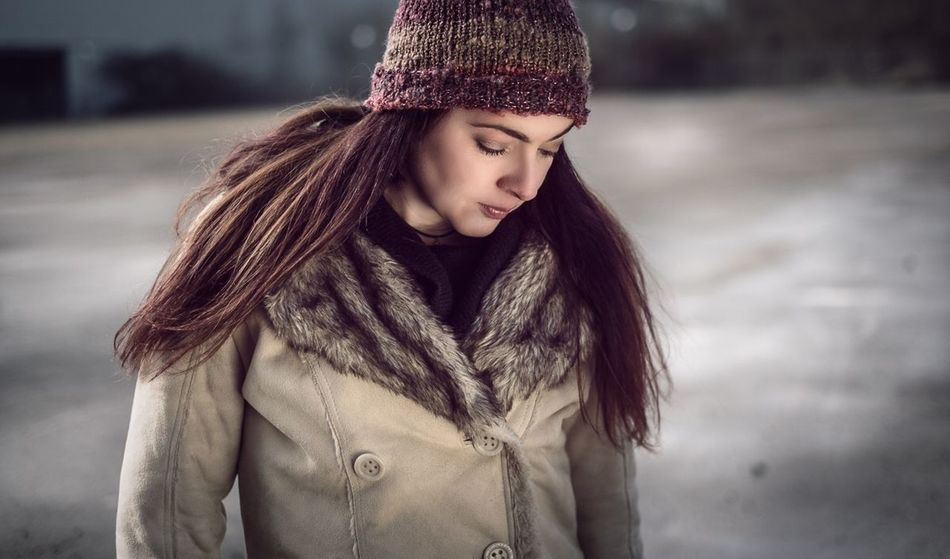 One Person Warm Clothing Fashion Brown Hair Winter Long Hair Real People Standing Cold Temperature Outdoors Beautiful Woman Beauty Women Young Women