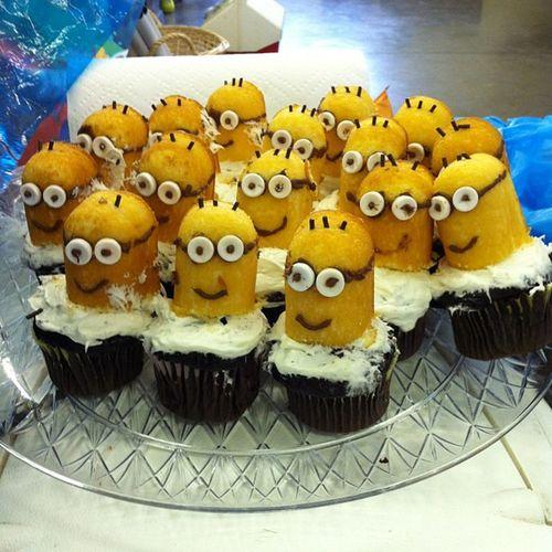Mom made Minion  cupcakes yesterday Despicableme