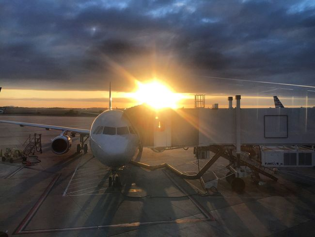 Wow Nanoisincontrol #infgraphix Nanoisincontrol Nano Transportation Sunset Airplane Lens Flare Sky Sun Cloud - Sky Passenger Boarding Bridge Sunlight Travel No People Airport Air Vehicle Airport Runway Commercial Airplane Outdoors Runway Nature Day Airplane Wing Mobility In Mega Cities