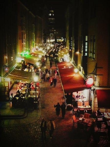 Nächtliches Stadtgetümmel City By Night Nachtaufnahme