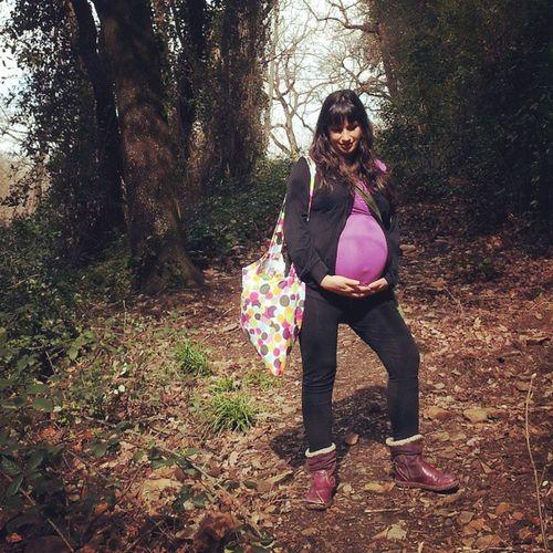 Esperant al Teo. Womaninstagrafic Pregnant Nature Love forest