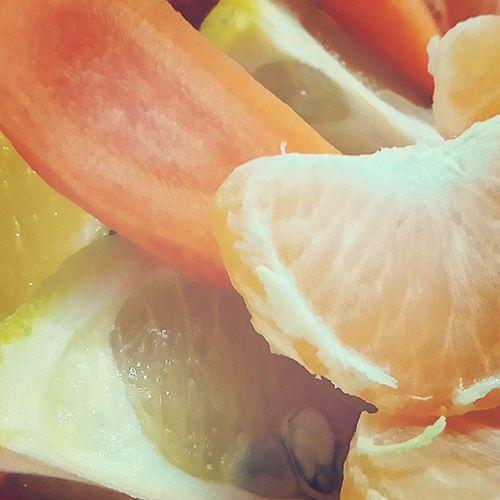 . جمله سوداها بر این فن عاقبت حسرت خورند ز آنک صد پر دارد این و نیست آن ها را پری پیش باغش باغ عالم نقش گرمابه ست و بس نی در او میوه بقایی نی در او شاخ تری . بزن بپسند خوشمزه Delicious بفرما پرتقال نارنگی هویج