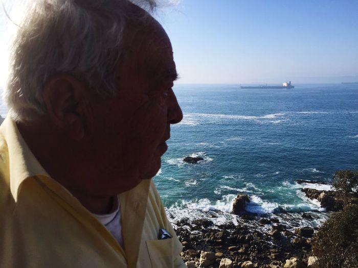 Mi viejo papà y el mar de sus sueños..lobo marino te amo.. Papá lobo de mar Taking Photos