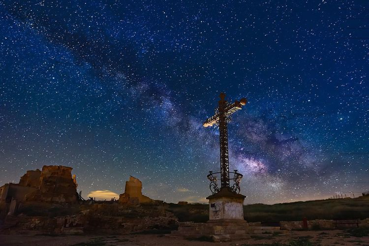Cross and milkyway Night Star - Space Milky Way Sky Sculpture Galaxy Astronomy Space No People Outdoors Constellation Stars Dramatic Sky Nightphotography Midnight Night Photography Galaxy Spirituality Religion Catolic Catolicism Tourism Astrology Landscape