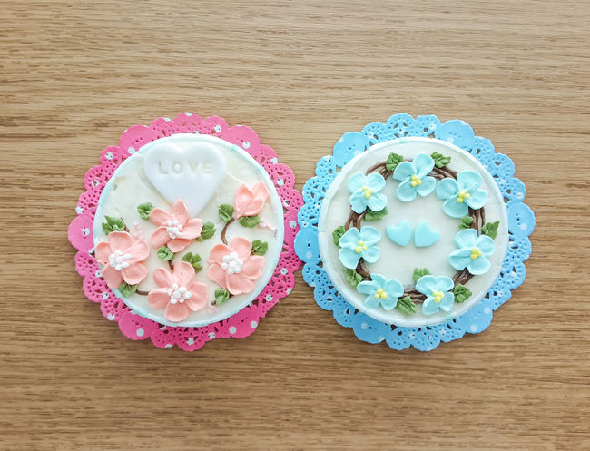 Mini Flower Cup Cakes. Blue Cake Close-up Colour Cup Cupcakes Delicious Dessert Flowers Fork Freshness Hydrengea Indulgence Mini Paper Pink Plate Ready-to-eat Roses Serving Size Spoon Still Life Sweet Violet Wooden