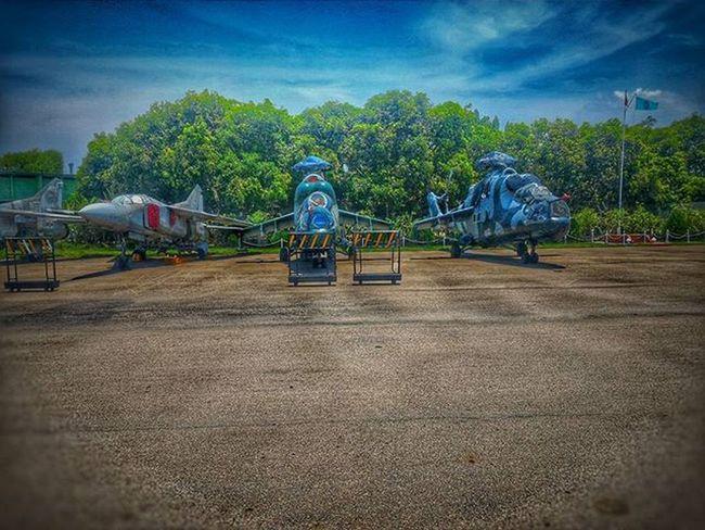 SLAF ▶🔴◀ Mig-27🚀 MI-24 Helicopter🚁 Mig27 MI24 Zenfonephotography Hdr_pics Helicopters Airforce Militarybase Pixelmaster