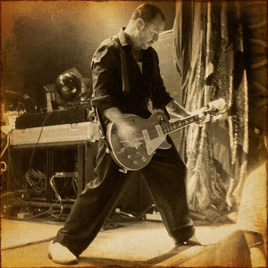 I went down down down in a burning ring of fire...Mikeness @socialdistortion Johnnycash Rock Awesome sexy