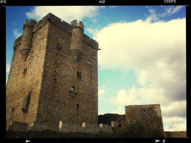 Tarde de visita al Castillo Castle Architecture Building Streamzoofamily