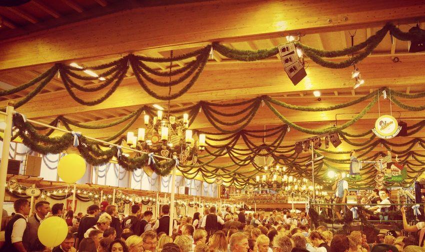 Bavaria Beer Tradition Auerbräu Event Festival Herbstfest Indoors  Prezel