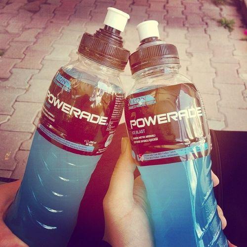 Powerade Enerji Ihtiyacımız Olan  tek şey bu günlerde :/